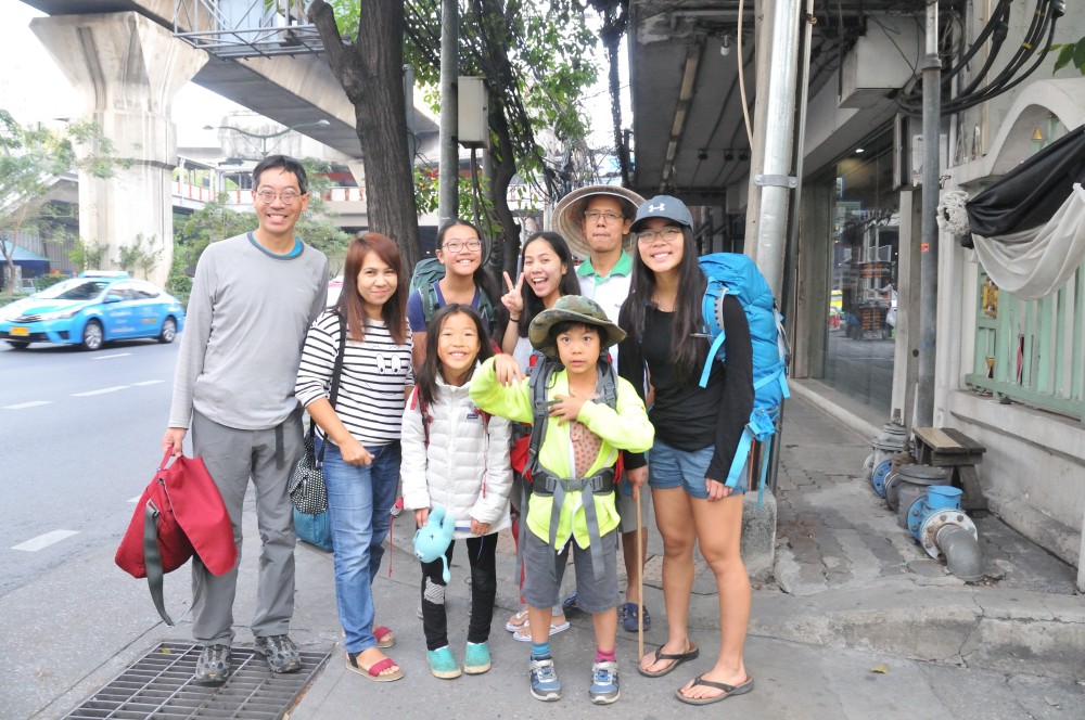 Kind family who drove us to our hostel after failing to find transport from the night bus from Chiangmai.
