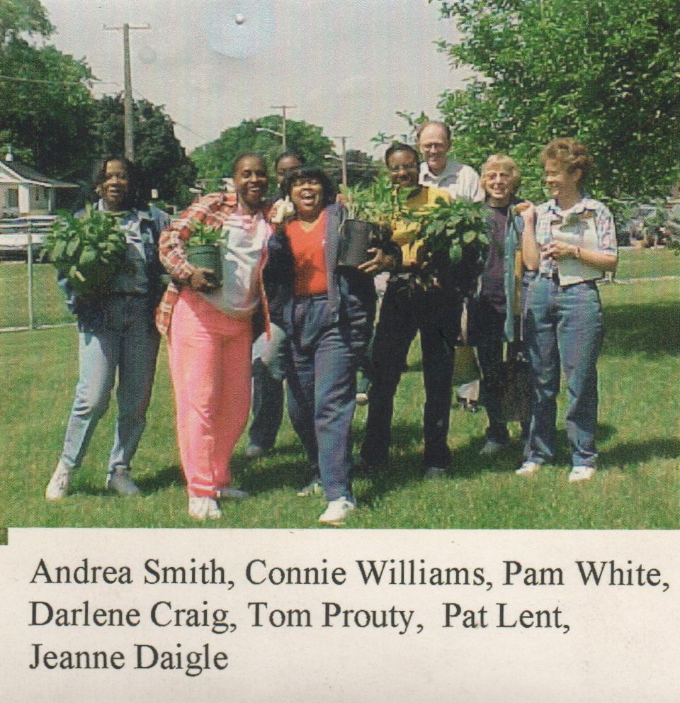 gardening group.jpeg