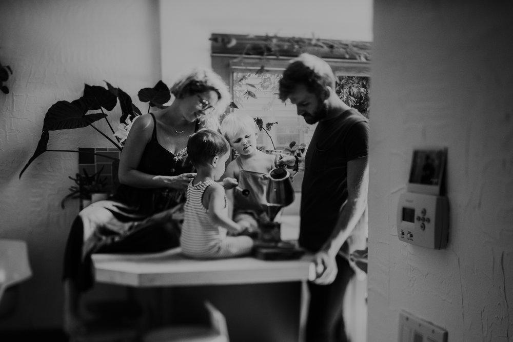 johnny-harris-isabel-harris-portland-family-photoshoot