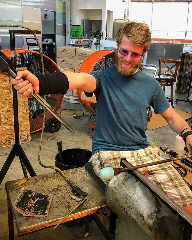 We still have fun.  #blowglasseveryday #glassblowing