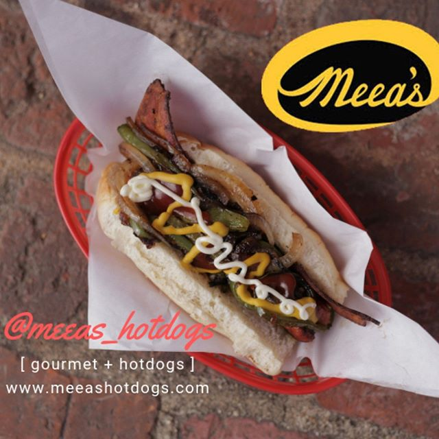Looking for a gourmet meal at a great price? Meea's is the perfect place. A hotdog, some tater tots, and a coke will be just the thing you need.  Follow us @meeas_hotdogs  #hotdog #food #foodporn #foodie #foodofinstagram #instafood #eagkerock #meeas #meeashotdogs #meeas_hotdogs #foodheaven #yummy #yum #foodbaby #hotdogs #foodblog #foodpics #foodpic #foodpictures #foodbliss #foodblogger #nomnom #nom #foodphotography #highlandpark #nela #glendale #pasadena #tasty