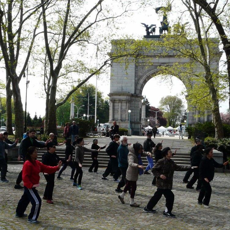 World Tai Chi & Qigong Day 2016 Grand Army Plaza, Brooklyn NY    Join the 2017 World Tai Chi & Qigong Day - the Free Event on April 29th, 9:30 Am under the Arch of Grand Army Plaza