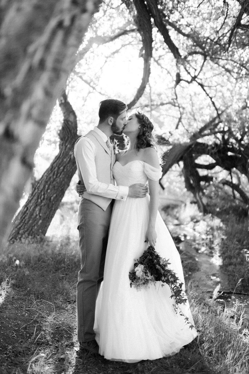 Josh&Lydia-1289.jpg