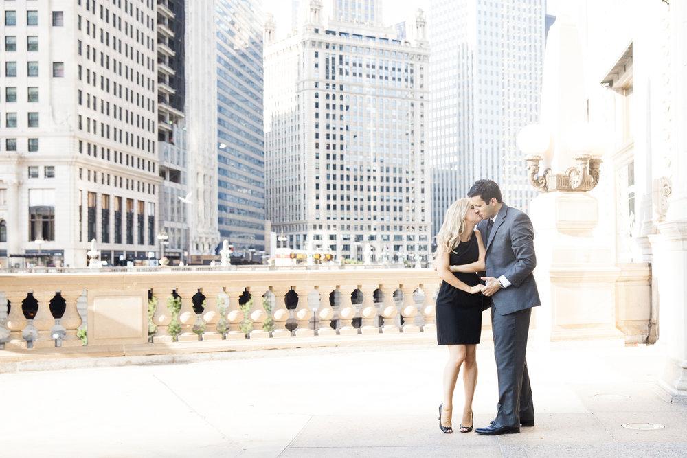 LisaDiederichPhotography_Landon&Ramsey_ChicagoEngagement-37.jpg