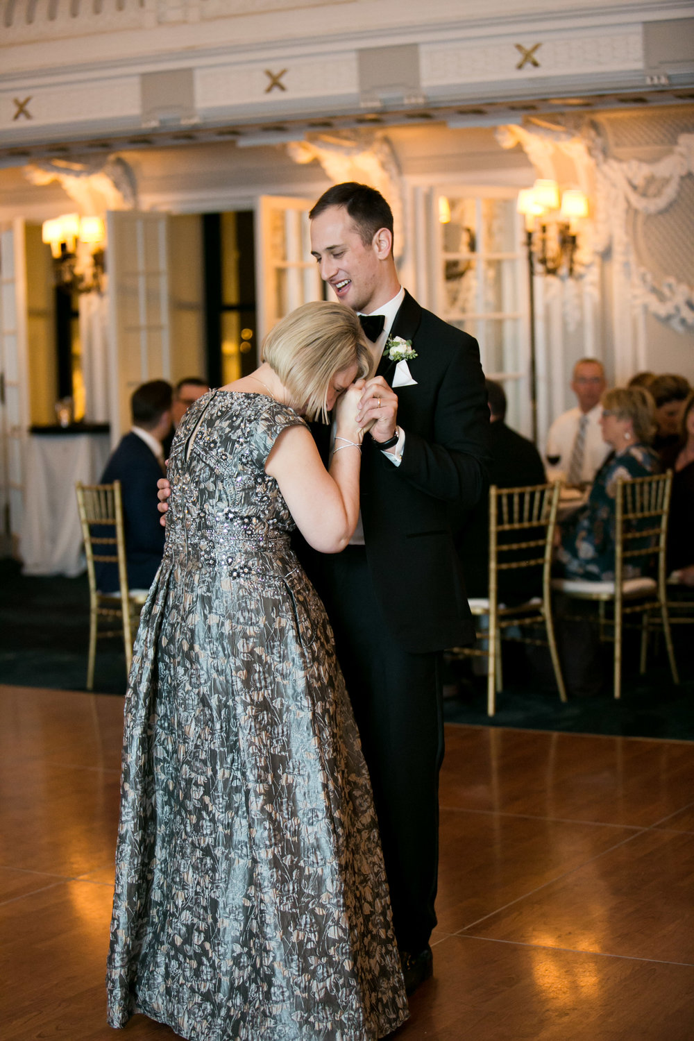 LisaDiederichPhotography_Meghan&Pete_ChicagoWedding_Blog-64.jpg