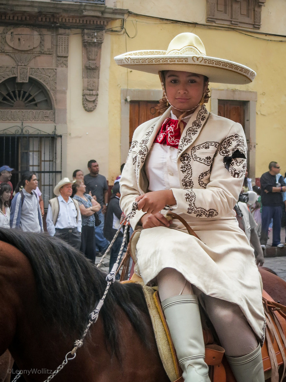 Side Saddle Señorita