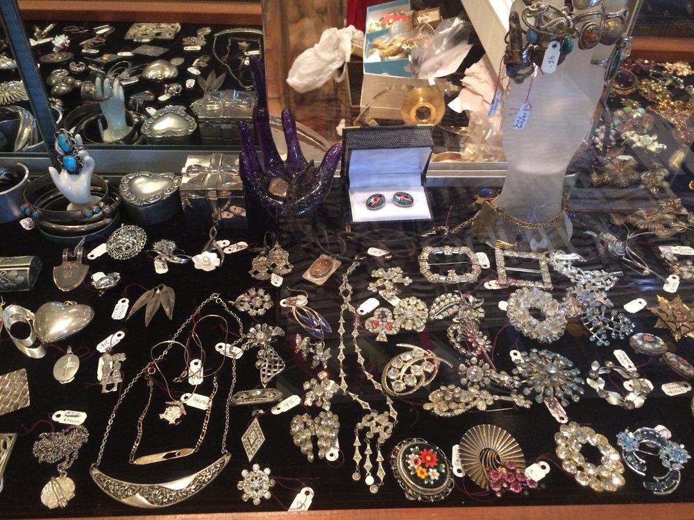 Vintage Jewelry (1).JPG
