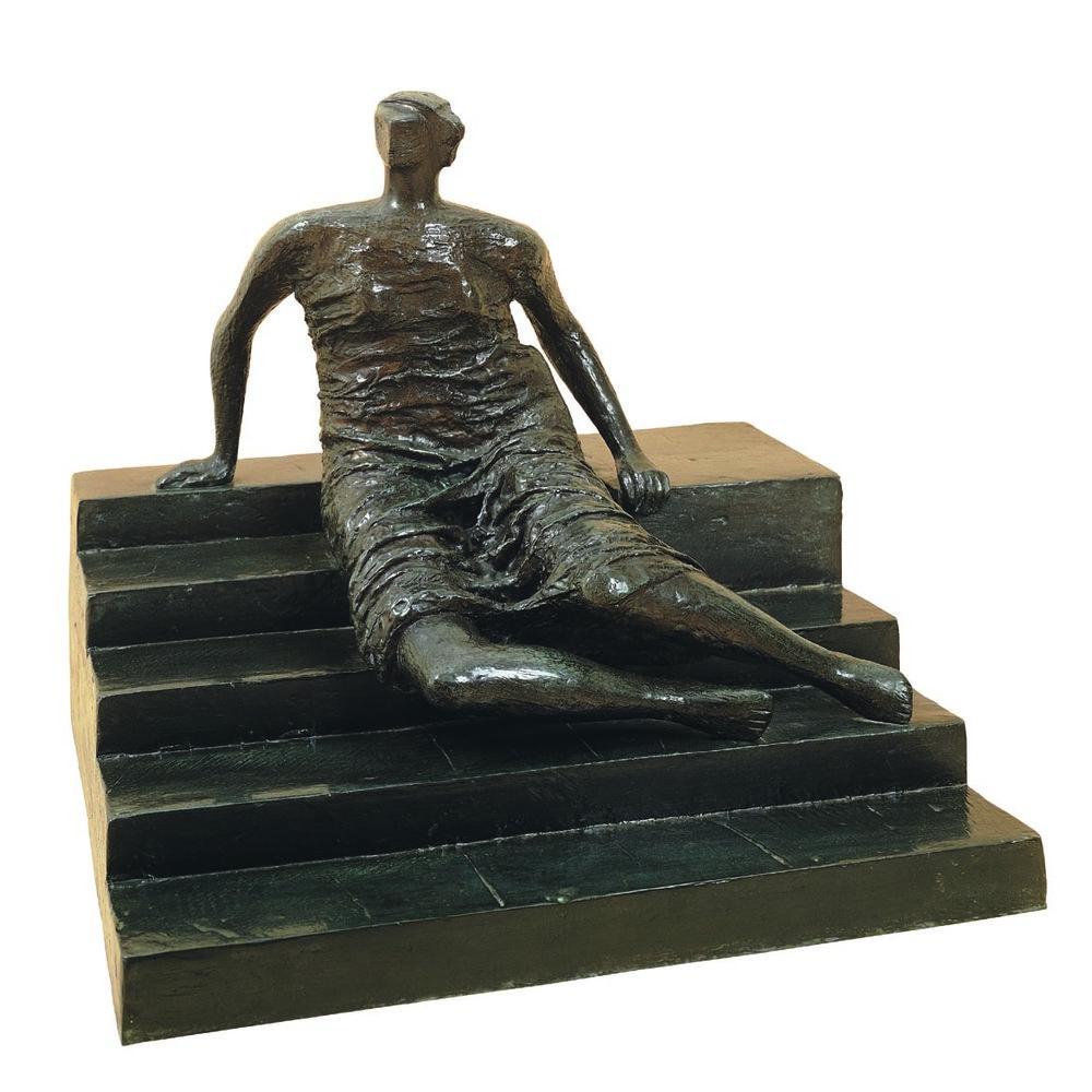 HENRY MOORE (1898 - 1986)