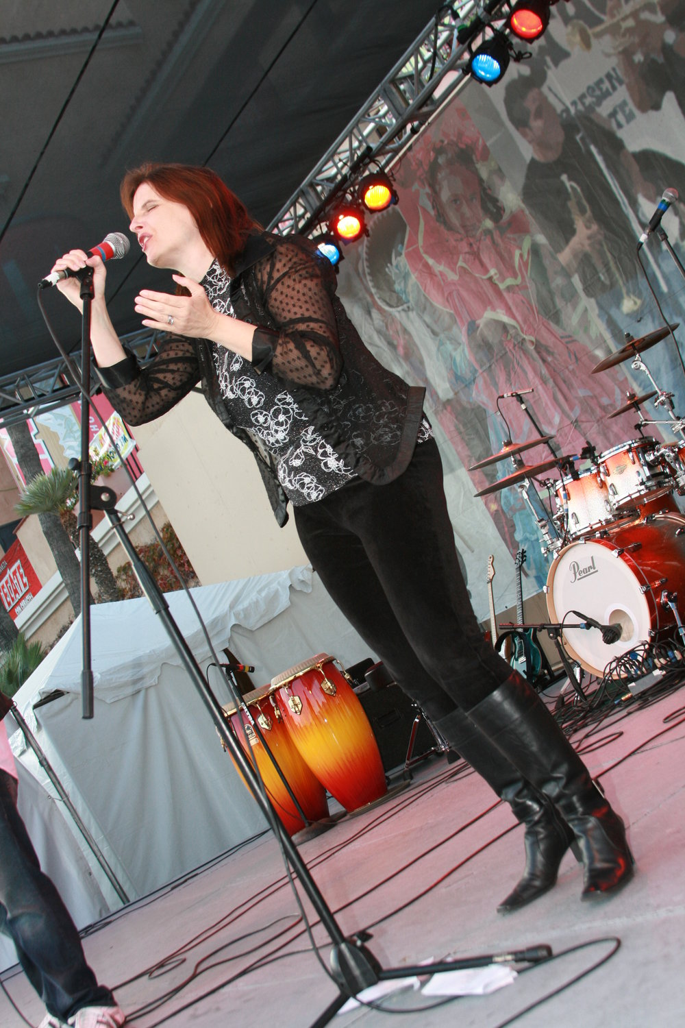 Diane Waters warms up the SD Fair Stage