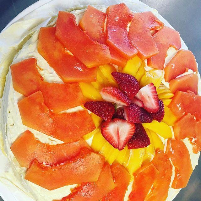 Mango and Papaya crepe cake!!! #abqfood #mogumogu #abqlocal #abqfoodies #dessert