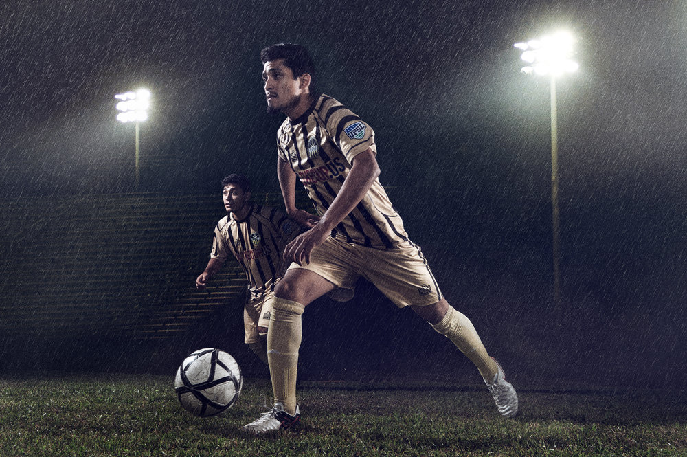 footballer dribblelow res.jpg