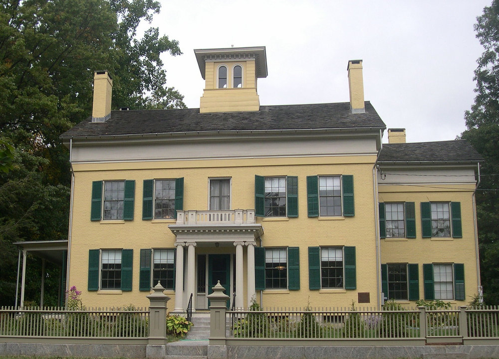 Emily dickinson's house in amherst, ma