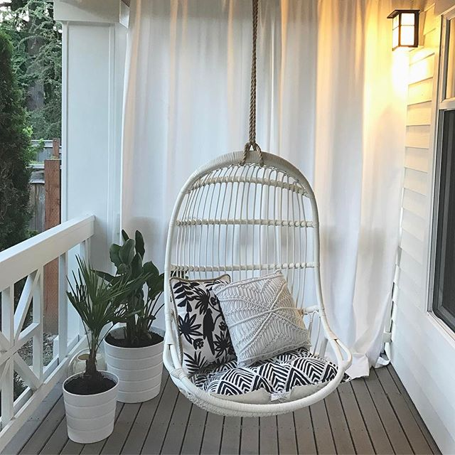 My new favorite place to sit...just in time for summer @serenaandlily #frontporch