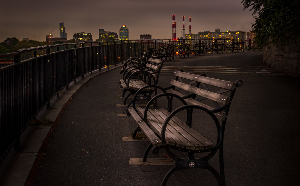 There are no iconic landmarks or majestic landscapes in this shot, but I personally love it. I remember discovering this park in my neighborhood. The weather was gloomy and the sky was getting dark. In a fleeting city like New York, this park had an unusual calmness to it. That feeling was what I wanted to communicate in this photo. (Location: Carl Schurz Park, Upper East Side)
