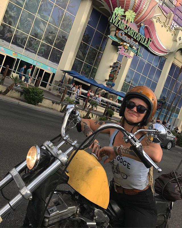 HAPPY BIRTHDAY TO THIS HOTDOGGIN MAMA! 🎉🤪🤩✨🖤 . . #happybirthday #motorcyclemama #LOVEYOU #ridemotoshavefun #lv