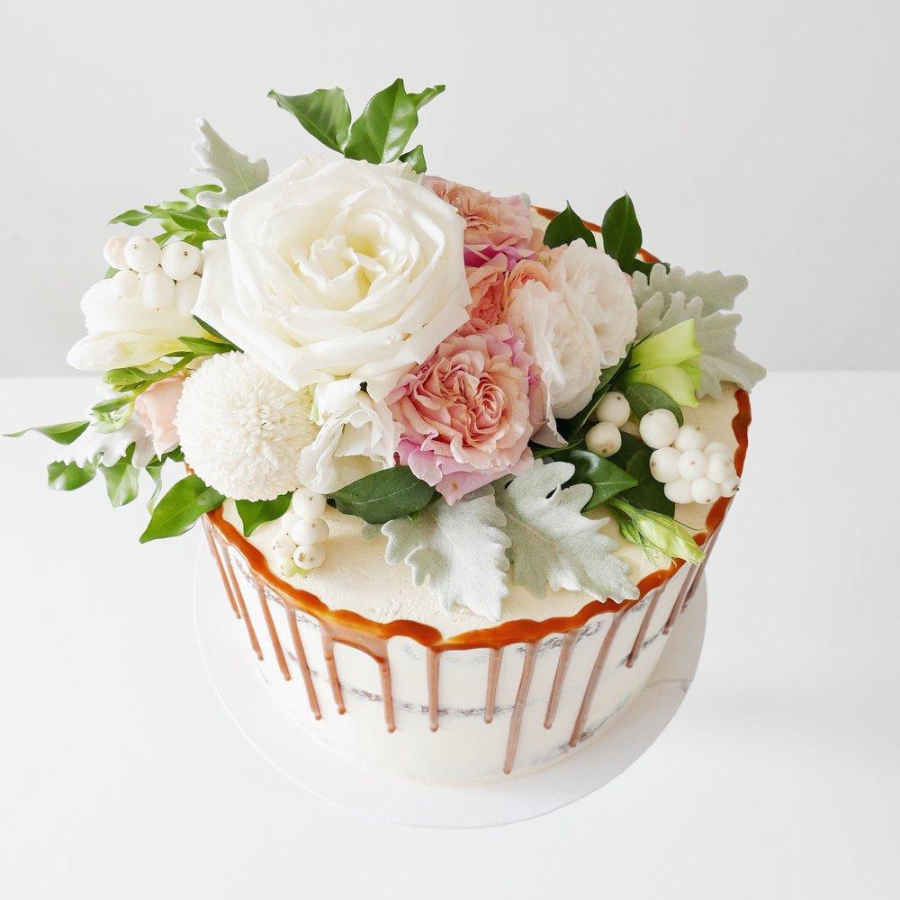 cake topper -