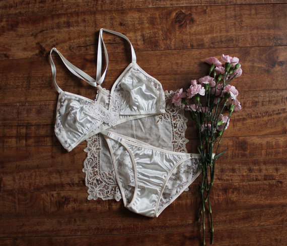 Modern Bohemian 'Lily' Ivory Satin and Lace Bralette and Panties Lingerie Set