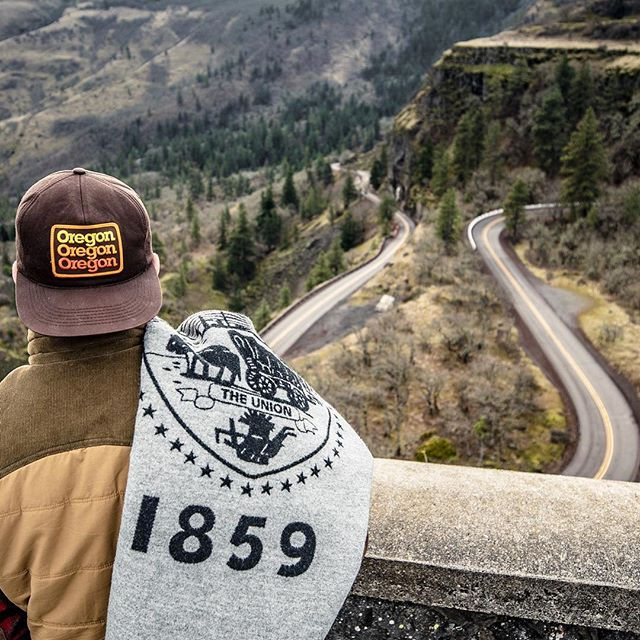🎈GIVEAWAY!!🎈 I've teamed up with @pnwisbeautiful and @enviadventures for an AMAZING giveaway, to celebrate Oregon's 160th birthday. Enter for a chance to win: * The Oregon Blanket, (a custom Pendleton blanket designed by @84east) * A 2 night stay at Hotel Monaco in Portland, Oregon * One 3-pack of Field Notes, Oregon Edition, by @draplin  To Enter: 1. Follow @84east @monacoportland @pnwisbeautiful and @enviadventures 2. Tag 2 friends in the comments below  Thats it!‪ For one BONUS entry, tag an additional friend.  No limit to entries.  Ends 3/11/19 at 11:59p PST. One winner will be direct messaged! #giveaway‬ ‪📷:@tom_baker_photo‬
