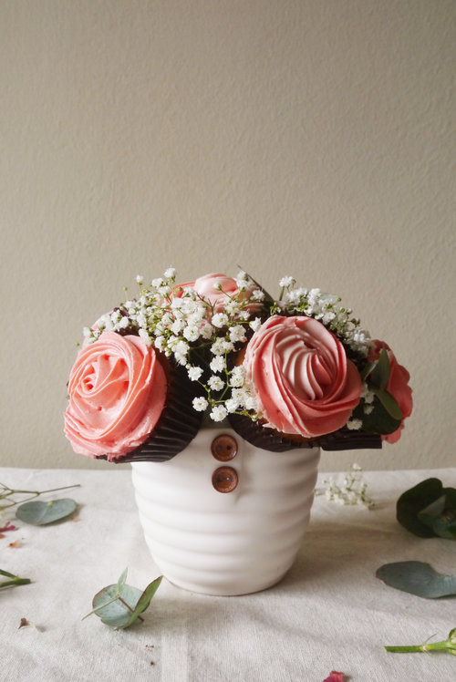 Cupcake Flower Bouquet with 6 Cupcakes — The premium made-to-order ...