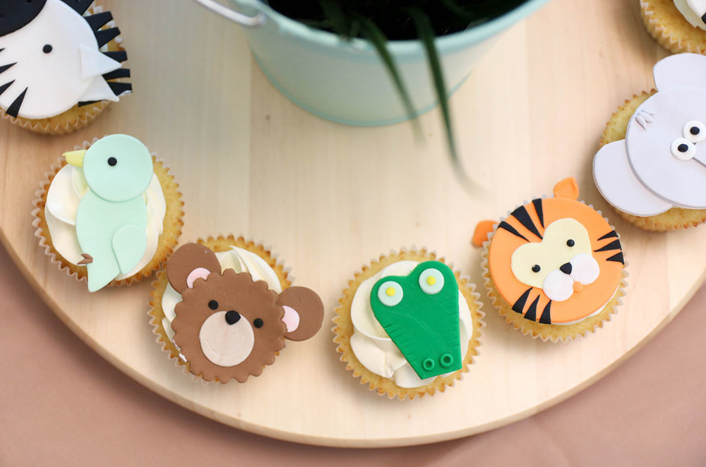 Dessert-Table-Safari-Theme-Birthday-Party-Cupcakes-2.jpg