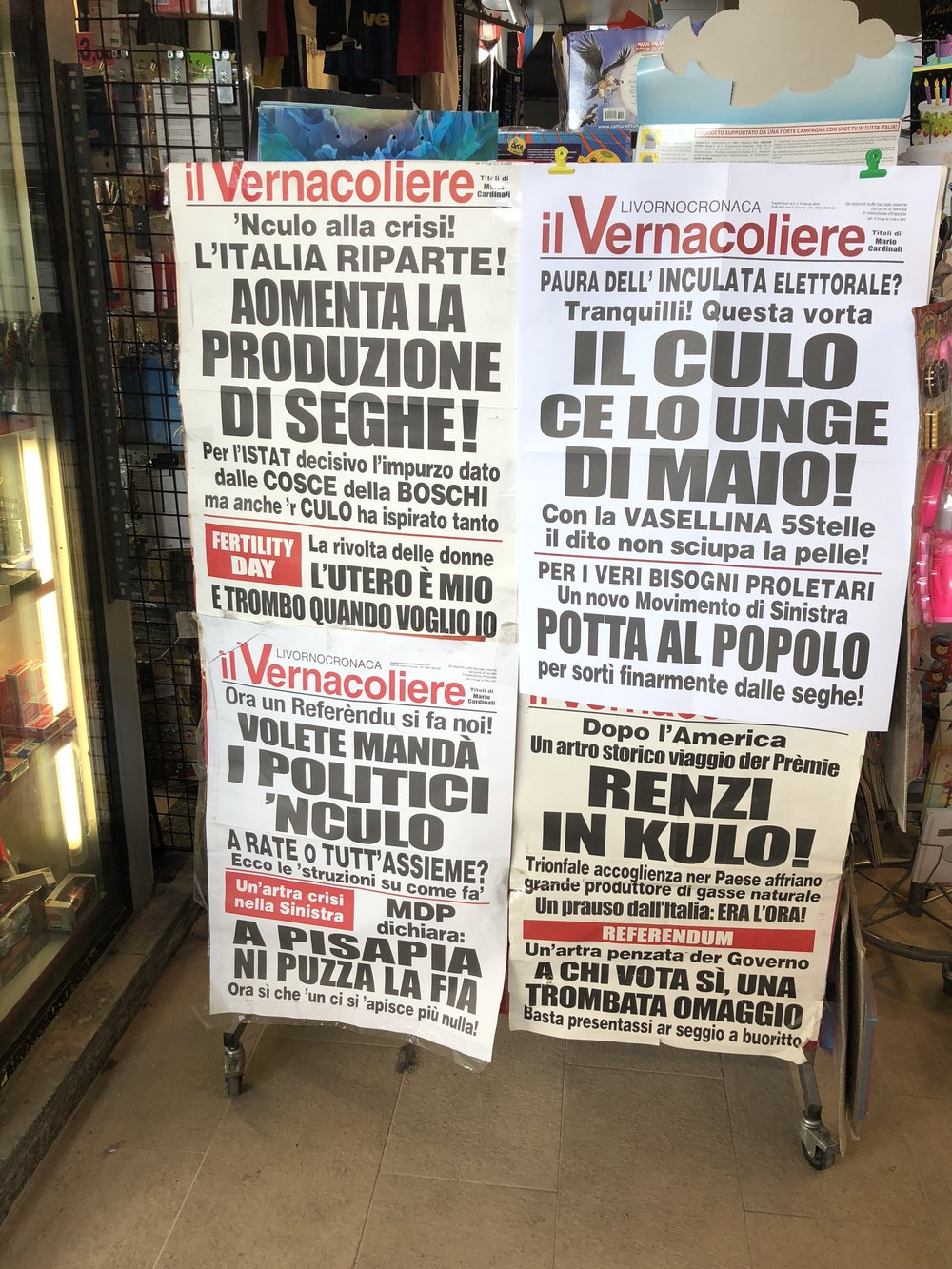 / - Milan-Italy: I don't understand Italian but I do understand «Referendum & Culo »