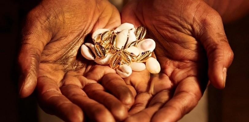 Cowrie Shells Talisman 24K Gold with Lapiz Lazuli and Diamond