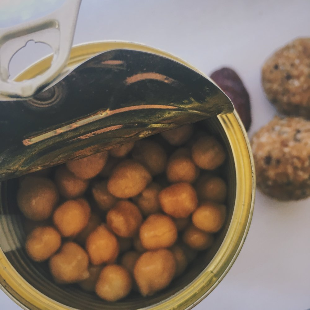 chickpeas and date balls
