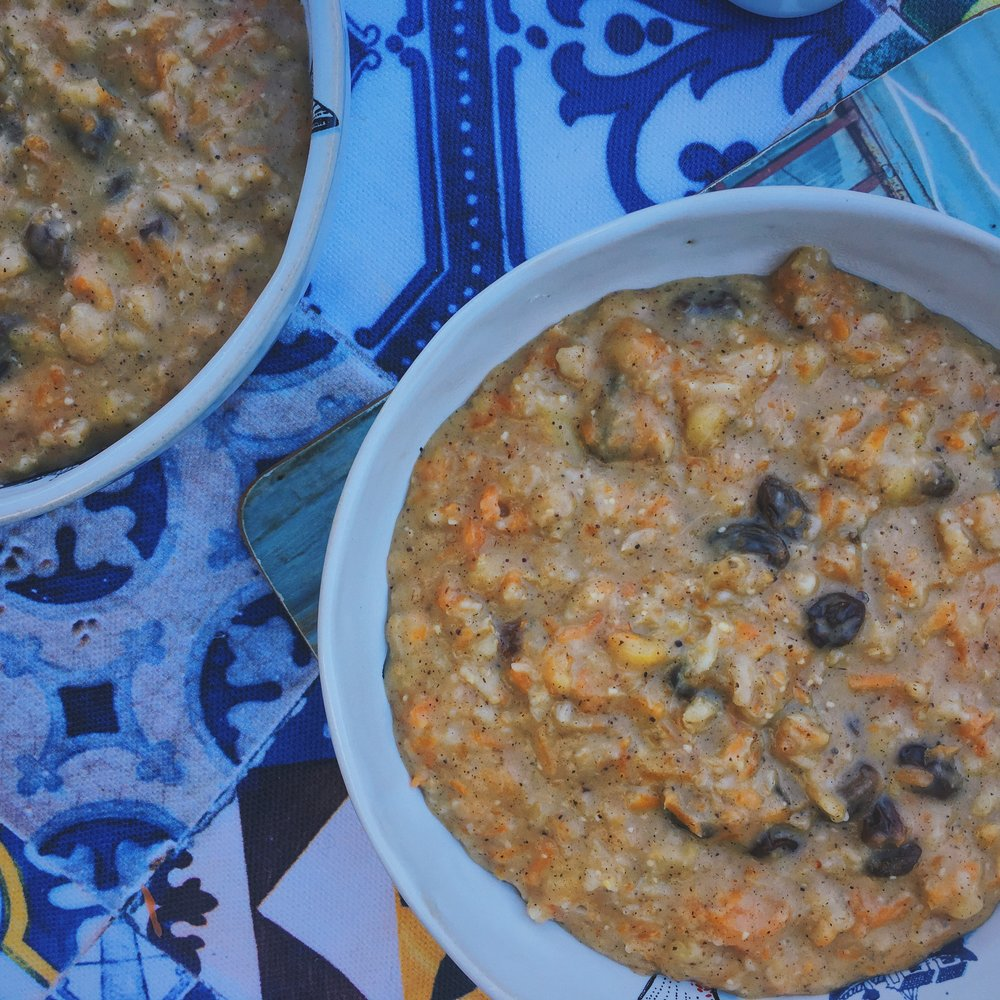 creamy, dreamy carrot cake oats