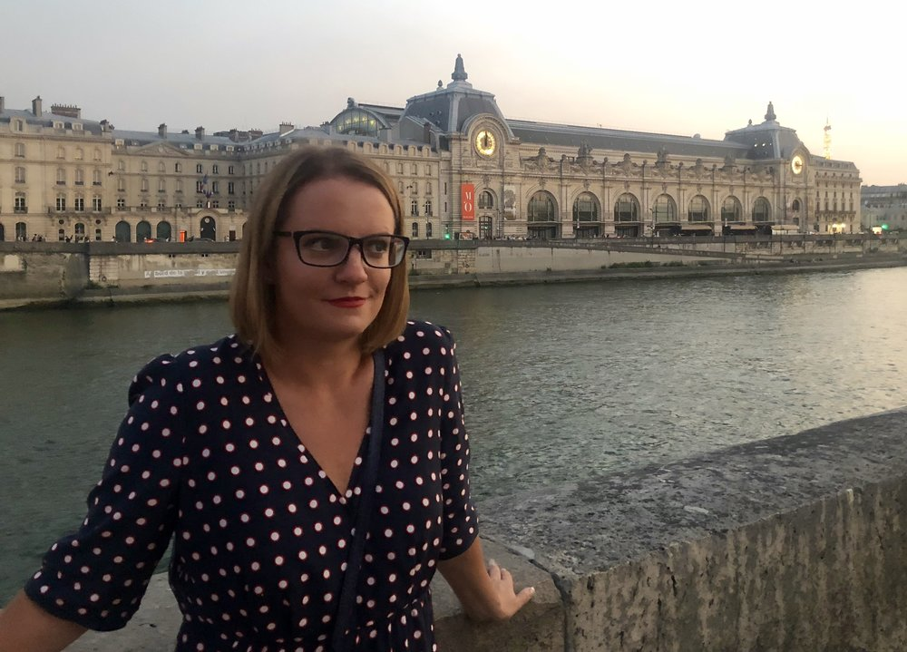 Sara Robinson contemplating her love of Paris