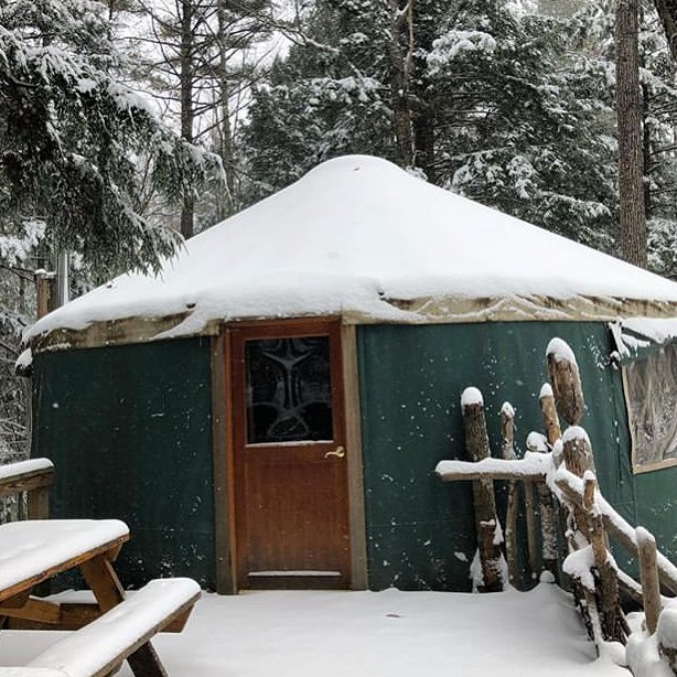 Winter wonderland ❄️🌲as seen @maineforestyurts 😍  #mainelyglamping #mainelove #wintergetaway
