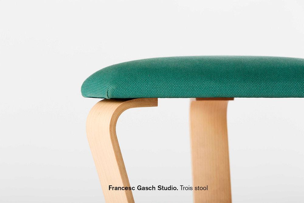 desigmed_Francesc Gasch_Trois stool text.jpg