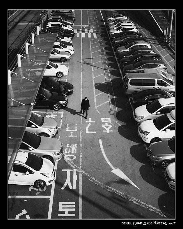 """Seoul (and inbetween)"" . More oldies taken in Seoul, S. Korea. . November 2017 . Fujifilm X-Pro 2 Fujinon XF 23mm f2 WR Voigtlander VM Nokton Classic 35mm f1.4 SC Voigtlander VM Ultron 28mm f2 . #jhfxxng"