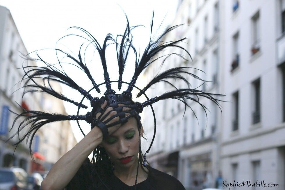 lily-gatins%C2%A9SophieMhabille-allblack-women-street-style-fashion-pari-980x653.jpg