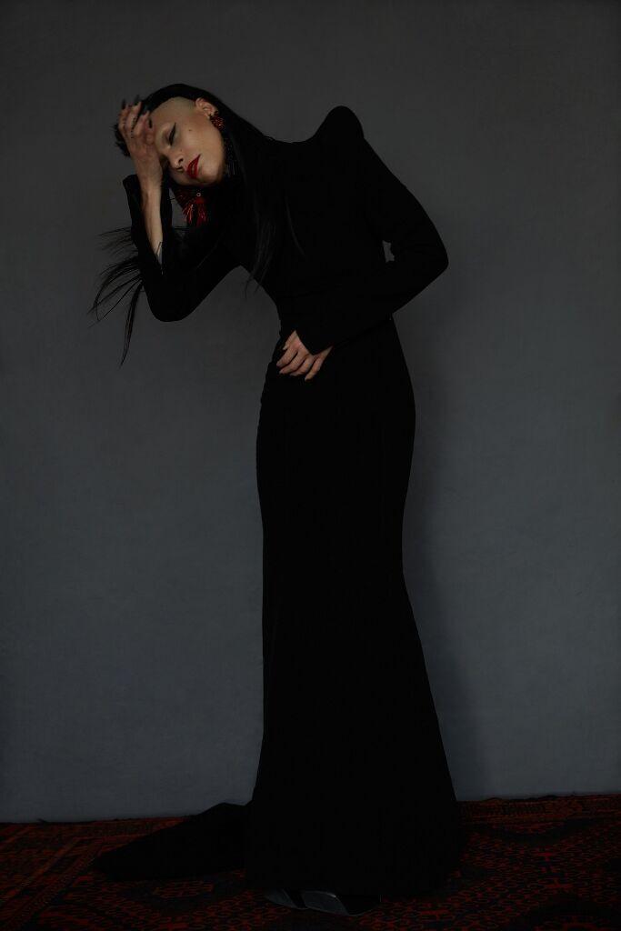 Lily_TatyanaYan_BlackShoulderpaddress.jpg