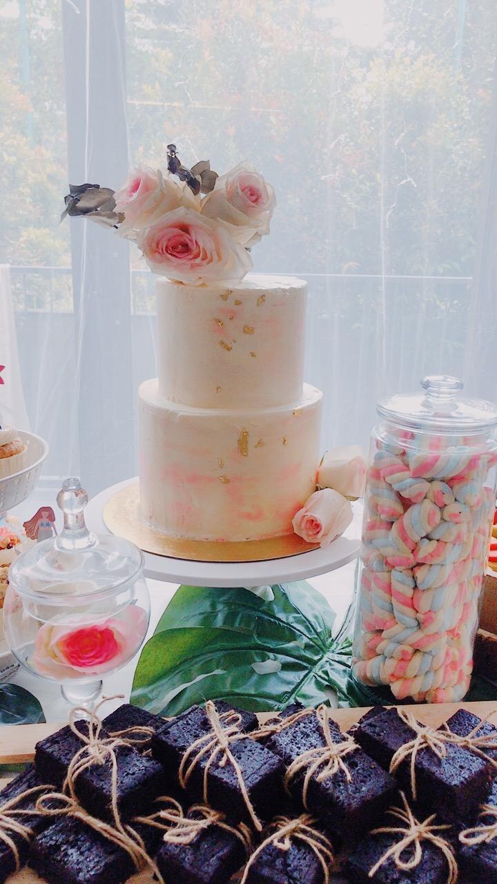Pastel dessert table (Cake)