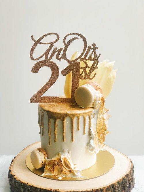 Gold+Drip+Cake.jpg