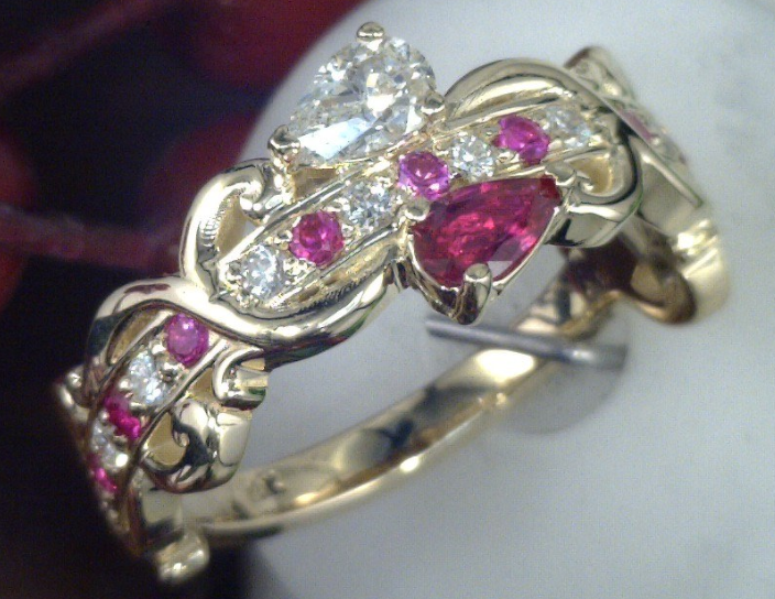 18k Yellow gold diamond and ruby ring.png