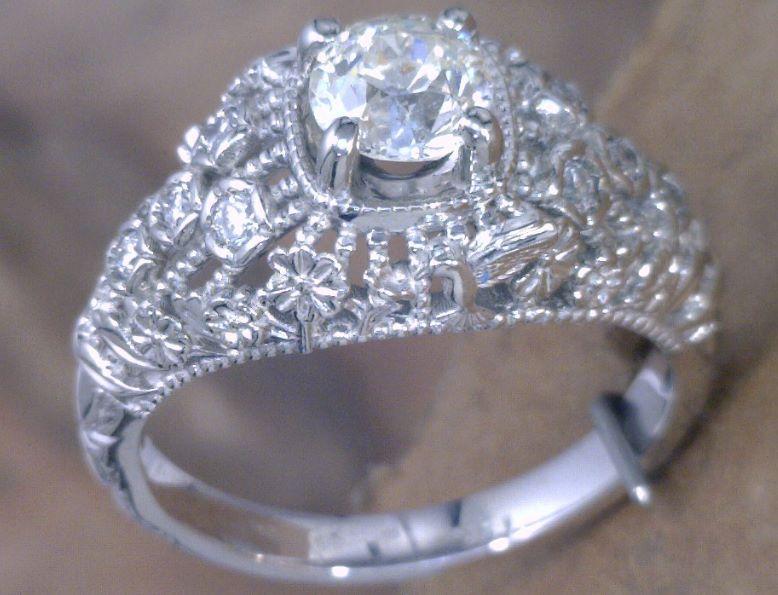 Filagree diamond ring with Hummingbird_.png