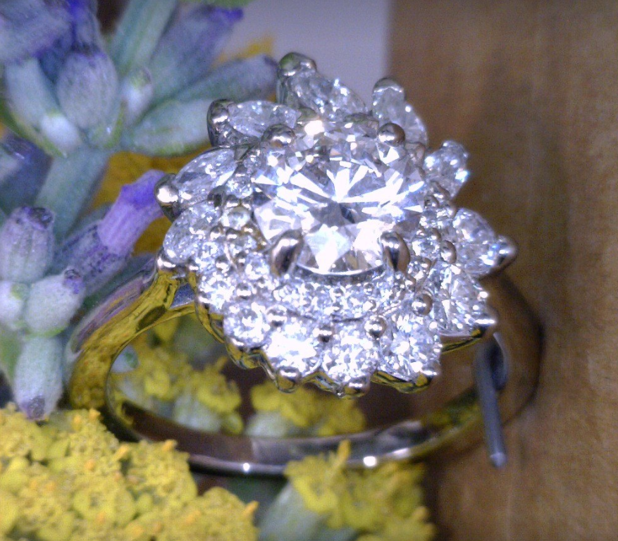 Palladium and diamond cluster ring.png