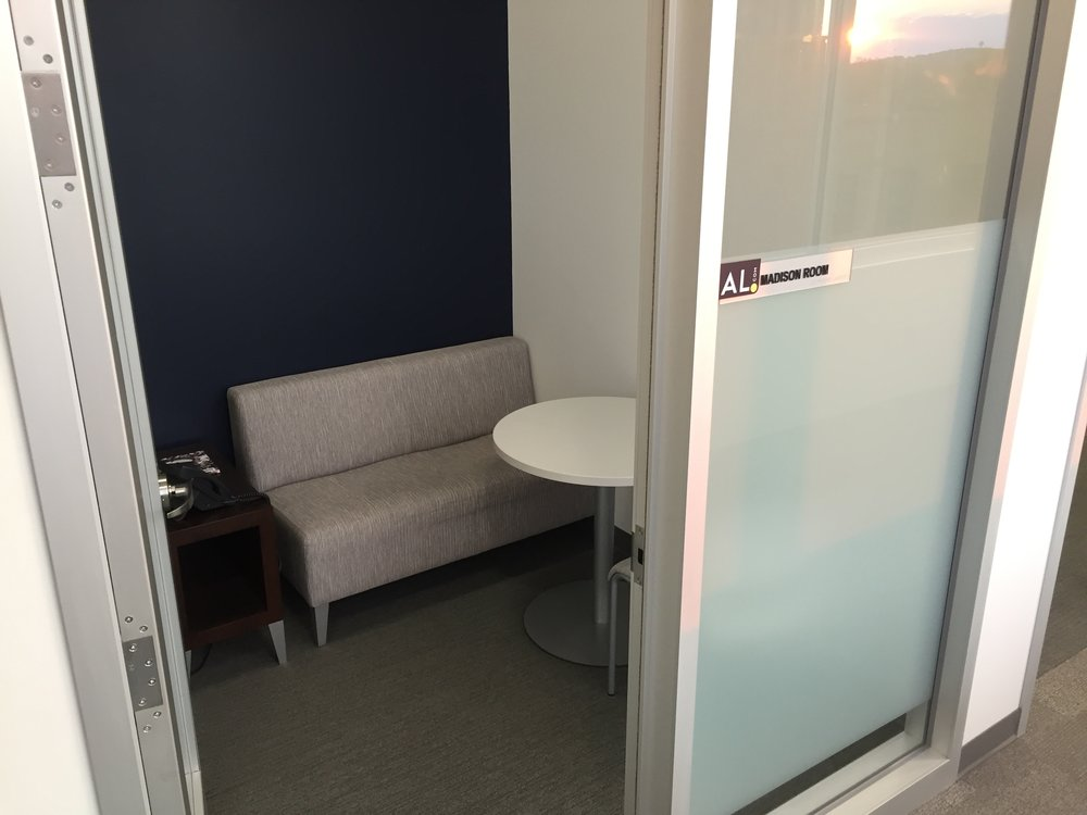 Madison Room Seats: 1-2