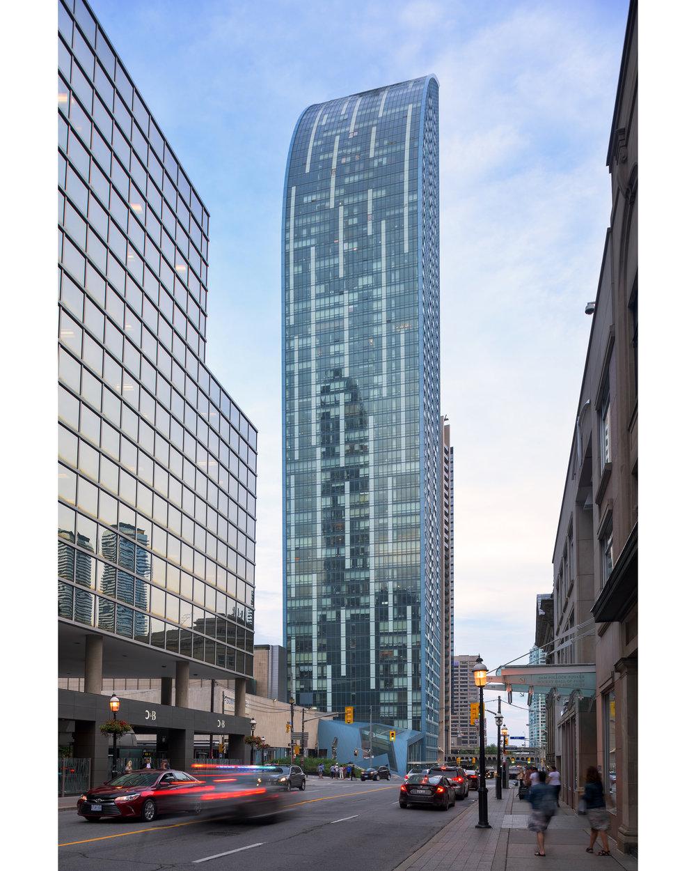 L Building, Toronto © Robert Lowdon