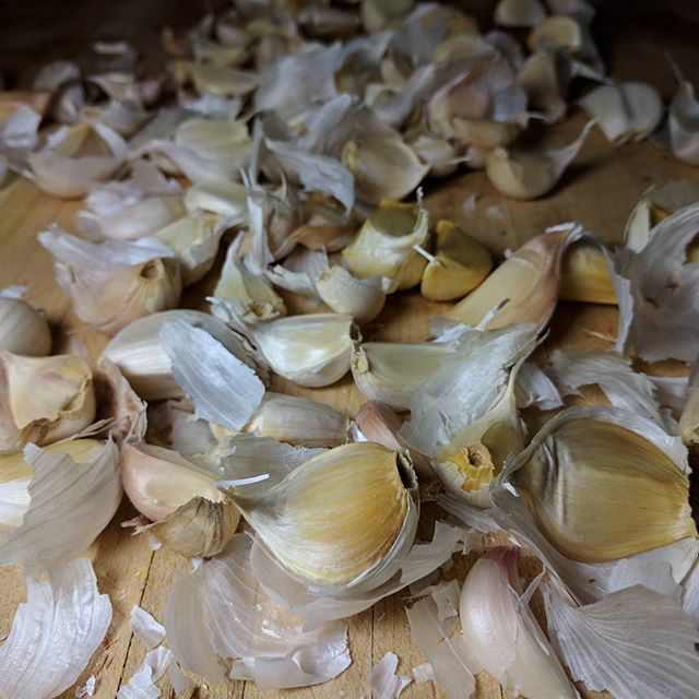 Organic garlic.  I get to work with the most beautiful ingredients!! 🔪 #paleo #organic #eatclean #soup