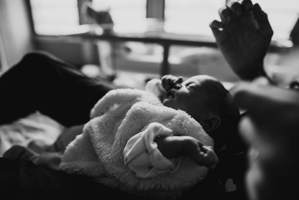 reportage maternité Sixtine | freyia | photographe lifestyle nouveau-né maternité grossesse  naissance reportage paris IDF 75-13.jpg