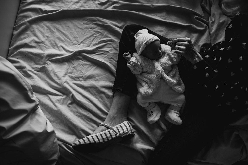 reportage maternité Sixtine | freyia | photographe lifestyle nouveau-né maternité grossesse  naissance reportage paris IDF 75-15.jpg