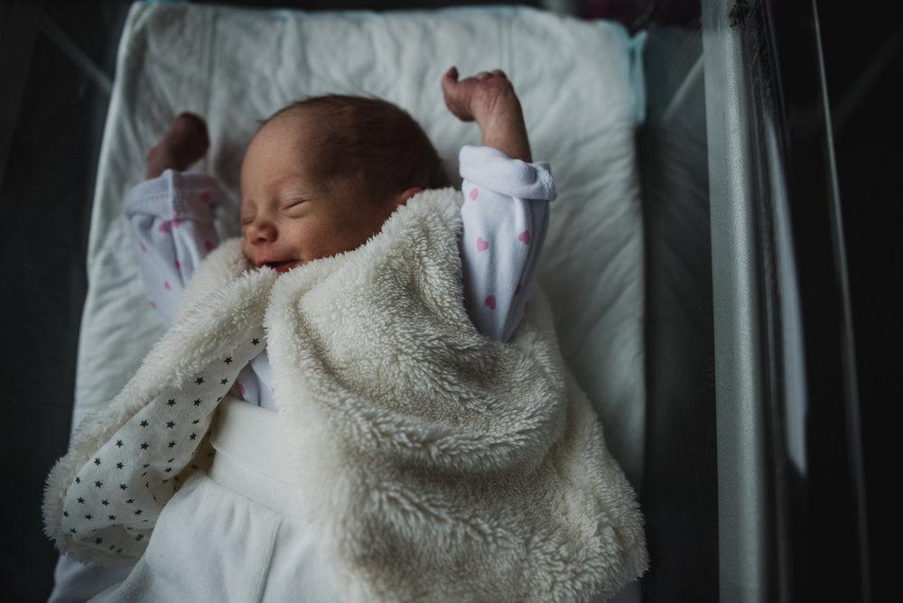 reportage maternité Sixtine | freyia | photographe lifestyle nouveau-né maternité grossesse  naissance reportage paris IDF 75-30.jpg