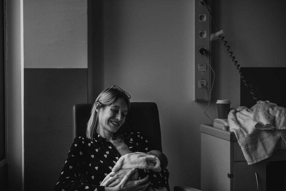 reportage maternité Sixtine | freyia | photographe lifestyle nouveau-né maternité grossesse  naissance reportage paris IDF 75-54.jpg