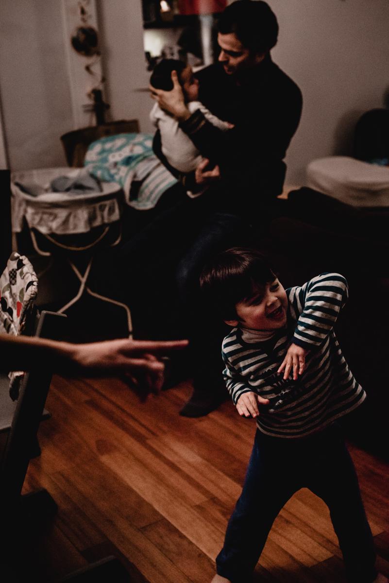 reportage du quotidien florent benjamin camille FREYIA | photographe famille | nouveau-né maternité grossesse lifestyle reportage du quotidien naissance allaitement | PARIS Ile de France-12.jpg