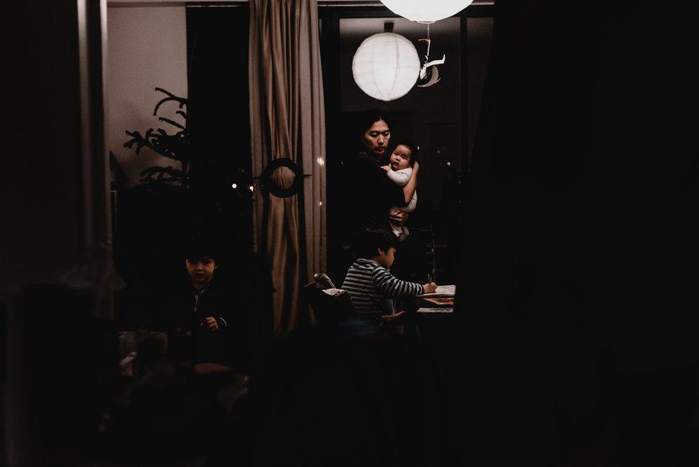 reportage du quotidien florent benjamin camille FREYIA | photographe famille | nouveau-né maternité grossesse lifestyle reportage du quotidien naissance allaitement | PARIS Ile de France-34.jpg
