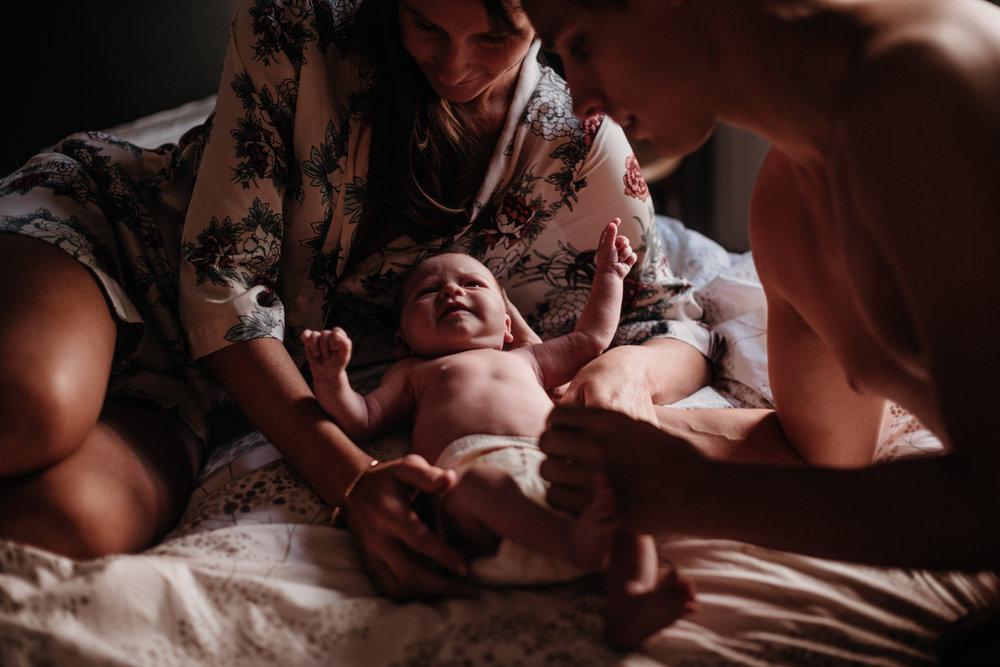 C + M + K session nouveau-né lifestyle SÉANCE PHOTO bébé bebe |  PHOTOGRAPHE bebe et grossesse PARIS  | FREYIA photography | photographe | nouveau-né bébé maternité grossesse future maman femme enceinte naissance allaitement_-154.jpg