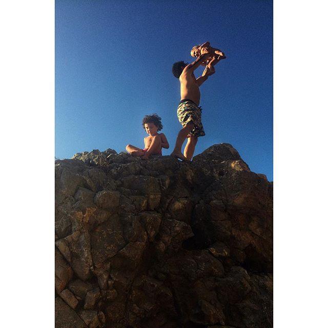 Nativos #sintra #praiadaadraga #portugal #lionking #beachplease
